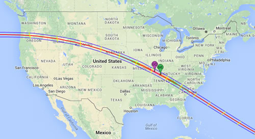Map shows the path of the 2017 total solar eclipse across the United States. The path of the Moon's umbral shadow begins in northern Pacific and crosses the USA from west to east through parts of the following states: Oregon, Idaho, Montana, Wyoming, Nebraska, Kansas, Missouri, Illinois, Kentucky, Tennessee, North Carolina, Georgia, and South Carolina.
